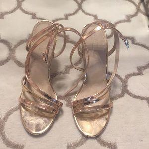High heeled stroppy sandals